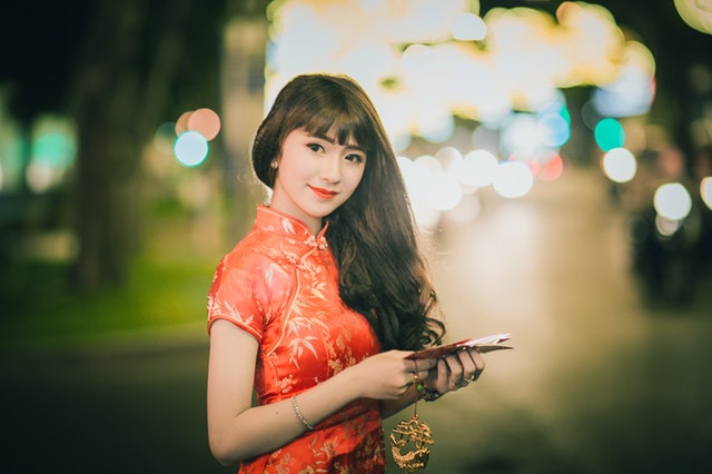 a woman wearing traditional chinese garment