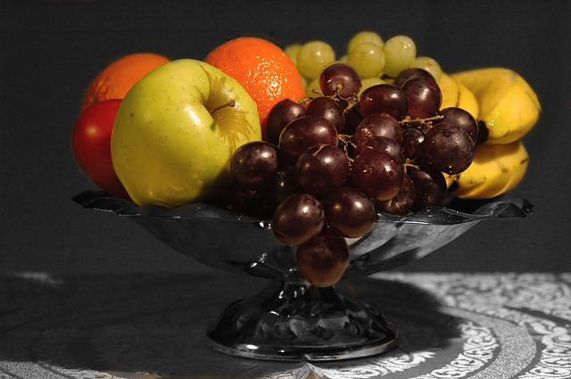 various fruits placed on a bowl